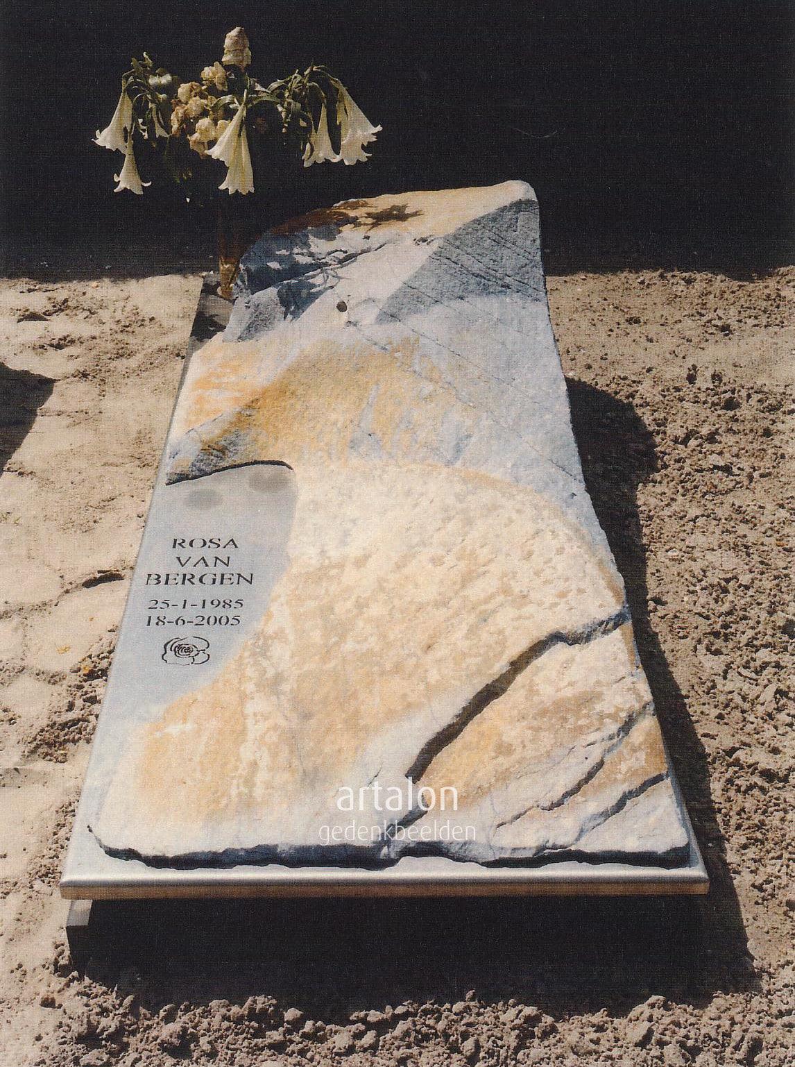 Monument voor Roos