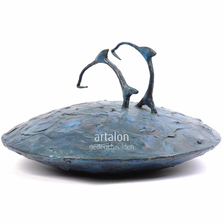 Douschka urn met dolfijn